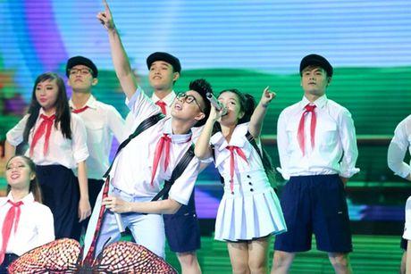 Nhung tiet muc 'cuoi lan, cuoi bo' tren san khau The Voice Kids sau 4 mua - Anh 4