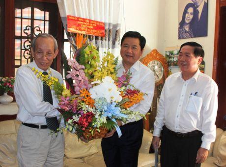 Bi thu Dinh La Thang: 'TPHCM phan dau tro thanh trung tam giao duc cua khu vuc Dong Nam A' - Anh 1