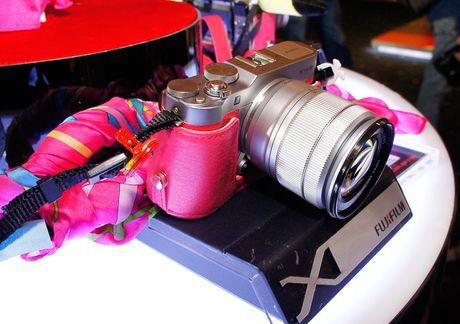 Fujifilm trinh lang may anh ho tro 'tu suong' X-A3 - Anh 1