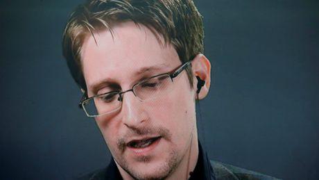 Edward Snowden khong lo bi dan do ve My neu ong Trump thoa thuan voi Nga - Anh 1