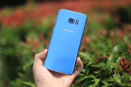 Dap hop Samsung Galaxy S7 edge xanh san ho gia 18,5 trieu - Anh 4
