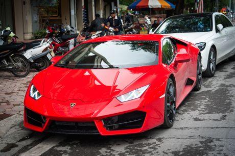 Sieu xe Lamborghini 20 ty dau tien tai Viet Nam xuong pho - Anh 2