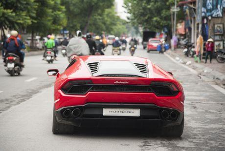 Sieu xe Lamborghini 20 ty dau tien tai Viet Nam xuong pho - Anh 3