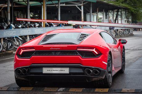 Sieu xe Lamborghini 20 ty dau tien tai Viet Nam xuong pho - Anh 4
