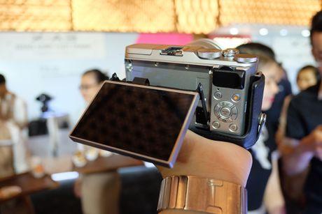 Anh Fujifilm X-A3 co man hinh lat chup selfie gia 13,9 trieu - Anh 5