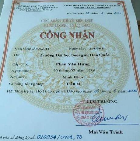 Hieu truong chui hoc vien: Co bang tien si duoc Bo GD-DT cong nhan - Anh 1