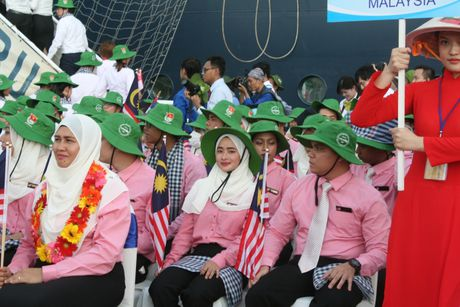 Don hon 320 thanh nien tu 10 nuoc ASEAN va Nhat Ban - Anh 10