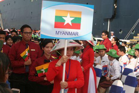 Don hon 320 thanh nien tu 10 nuoc ASEAN va Nhat Ban - Anh 5