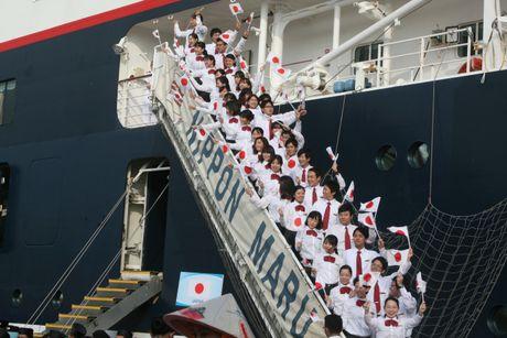 Don hon 320 thanh nien tu 10 nuoc ASEAN va Nhat Ban - Anh 6