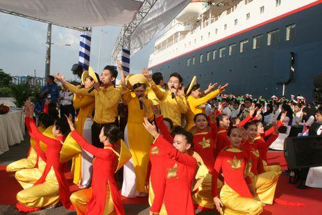 Don hon 320 thanh nien tu 10 nuoc ASEAN va Nhat Ban - Anh 9