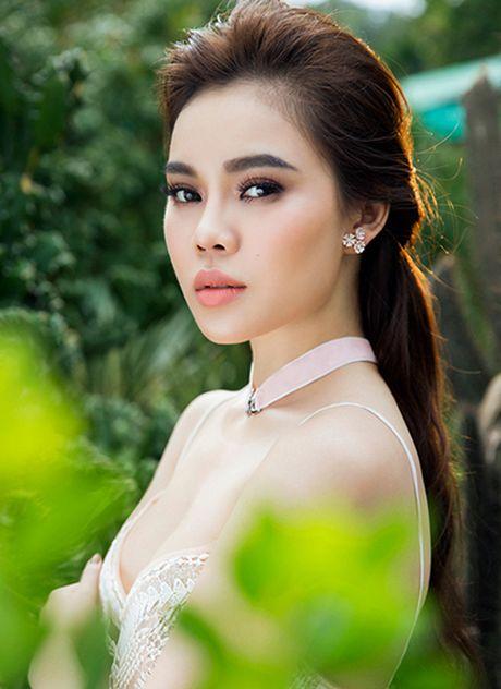 Giang Hong Ngoc goi cam trong mot vay ngu - Anh 4