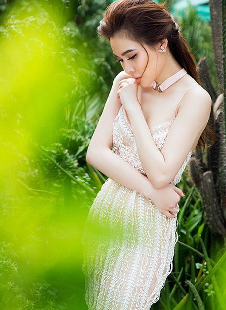 Giang Hong Ngoc goi cam trong mot vay ngu - Anh 5