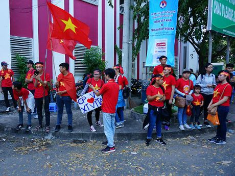 Tuyen Viet Nam gay 'sot', san Can Tho nem chat CDV - Anh 3