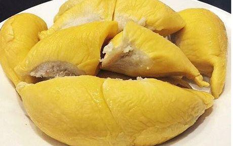 Sau rieng Malaysia gia tien trieu van hut khach hang Viet - Anh 1