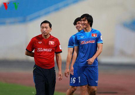 Tieu diem the thao: DT Viet Nam 'nin tho' cho Tuan Anh - Anh 1