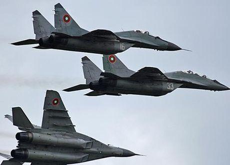 Bulgaria mua dong co MiG-29 Nga: Boi uoc NATO? - Anh 1