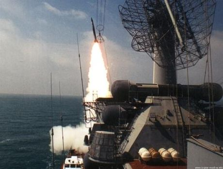 Bay cach tau Nga 50km, tiem kich NATO nam trong tam ban - Anh 1