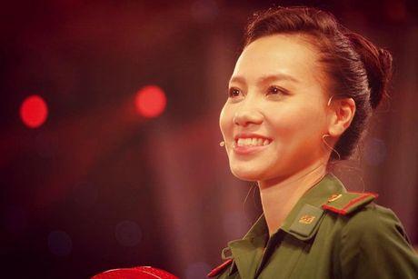 Nhan sac xinh dep 3 nu MC dinh dam cua 'Chung toi la chien si' - Anh 10