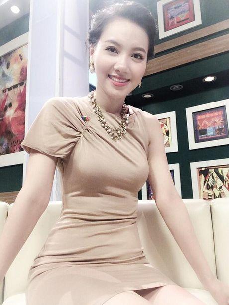 Nhan sac xinh dep 3 nu MC dinh dam cua 'Chung toi la chien si' - Anh 11