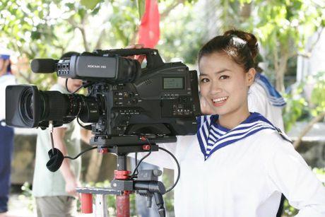 Nhan sac xinh dep 3 nu MC dinh dam cua 'Chung toi la chien si' - Anh 12