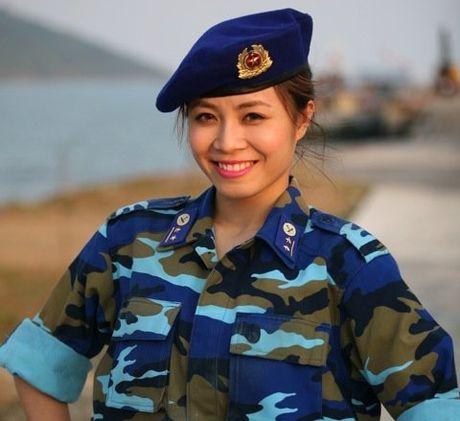 Nhan sac xinh dep 3 nu MC dinh dam cua 'Chung toi la chien si' - Anh 1