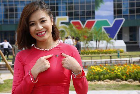Nhan sac xinh dep 3 nu MC dinh dam cua 'Chung toi la chien si' - Anh 2
