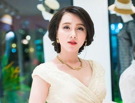 Nhan sac xinh dep 3 nu MC dinh dam cua 'Chung toi la chien si' - Anh 7