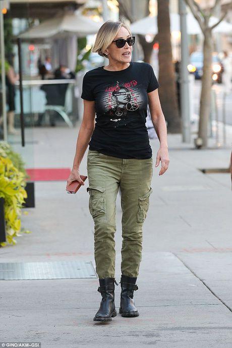 Sharon Stone khong giau duoc ve gia nua - Anh 3