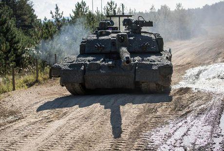 'Dap chan' cho tang Challenger 2, nguoi Anh khiep via T-14 Armata? - Anh 11