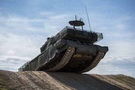 'Dap chan' cho tang Challenger 2, nguoi Anh khiep via T-14 Armata? - Anh 12