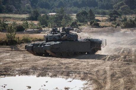 'Dap chan' cho tang Challenger 2, nguoi Anh khiep via T-14 Armata? - Anh 15