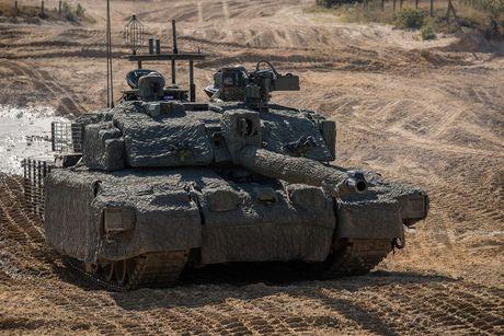 'Dap chan' cho tang Challenger 2, nguoi Anh khiep via T-14 Armata? - Anh 1