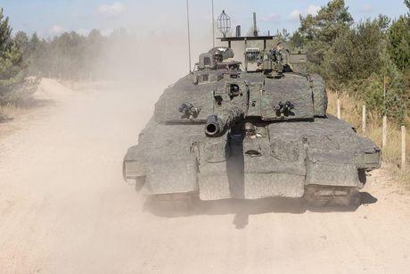 'Dap chan' cho tang Challenger 2, nguoi Anh khiep via T-14 Armata? - Anh 3
