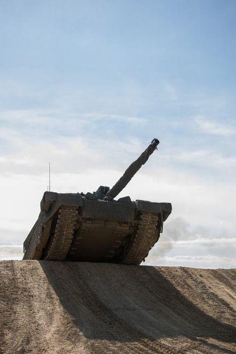 'Dap chan' cho tang Challenger 2, nguoi Anh khiep via T-14 Armata? - Anh 5