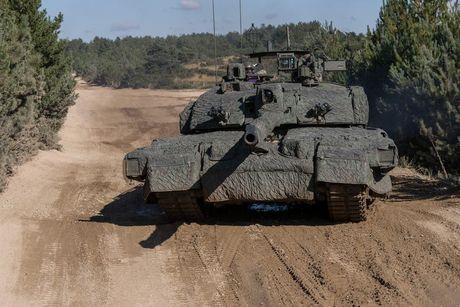 'Dap chan' cho tang Challenger 2, nguoi Anh khiep via T-14 Armata? - Anh 9
