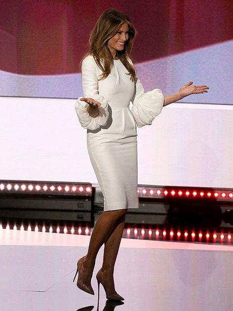 Nhin lai thoi trang cua ba Melania Trump trong chien dich tranh cu - Anh 10