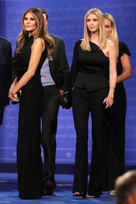Nhin lai thoi trang cua ba Melania Trump trong chien dich tranh cu - Anh 6