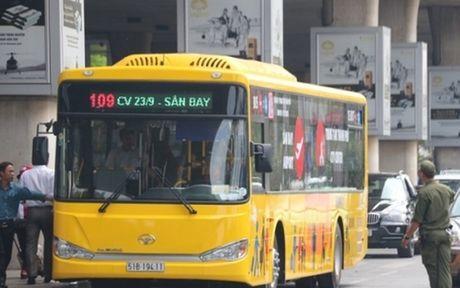 Khai truong tuyen xe bus san bay Pleiku - Kontum - Anh 1