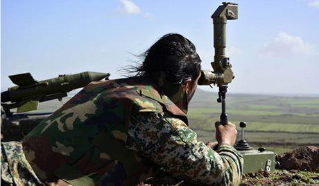 Syria: Tan cong ten lua o Hama, 30 xe quan su cua IS bi tieu diet - Anh 1