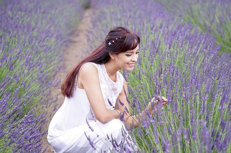 Gia dinh Minh Khang, Thuy Hanh hanh phuc ben canh dong hoa oai huong - Anh 11