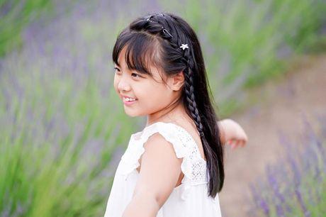 Gia dinh Minh Khang, Thuy Hanh hanh phuc ben canh dong hoa oai huong - Anh 17