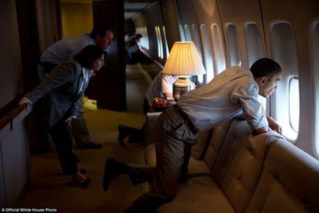 Nhung hinh anh se di vao lich su cua Tong thong Obama - Anh 13