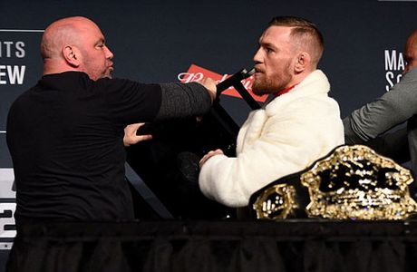 "Chi tiet UFC, McGregor - Alvarez:""Ga dien"" len ngoi thuyet phuc (KT) - Anh 10"