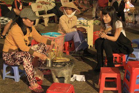 Banh trang nuong thom phuc quyen ru du khach Da Lat - Anh 4