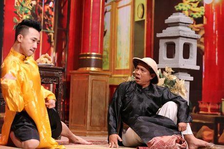 Tran Thanh bi Trung Dan 'hanh' trong 'On gioi, cau day roi' - Anh 1