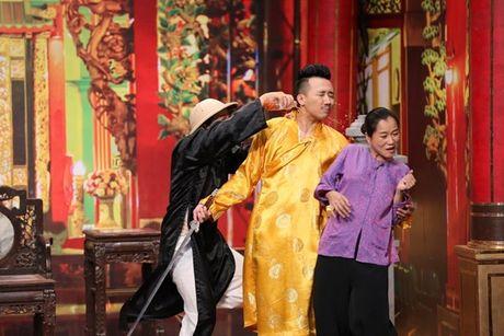 Tran Thanh bi Trung Dan 'hanh' trong 'On gioi, cau day roi' - Anh 2