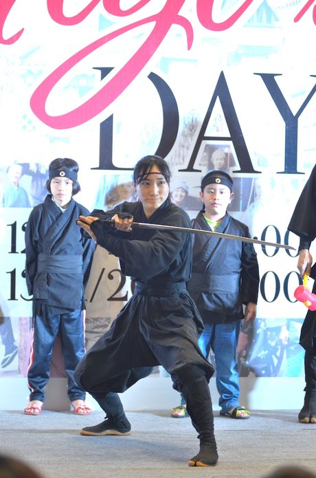 Ninja Nhat Ban den Ha Noi tro tai dau kiem, nem phi tieu - Anh 13
