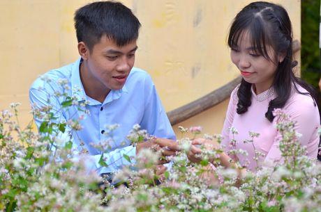Tam giac mach Ha Giang 'xuong nui', khoe sac ben ho Guom - Anh 10