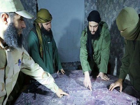Al-Nusra keu goi tro giup them tai chinh giua luc that bai lien tuc o Aleppo - Anh 1