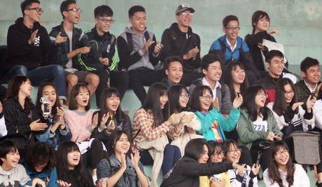 THPT Tran Quoc Tuan va THPT Nguyen Thi Minh Khai vao chung ket - Anh 7